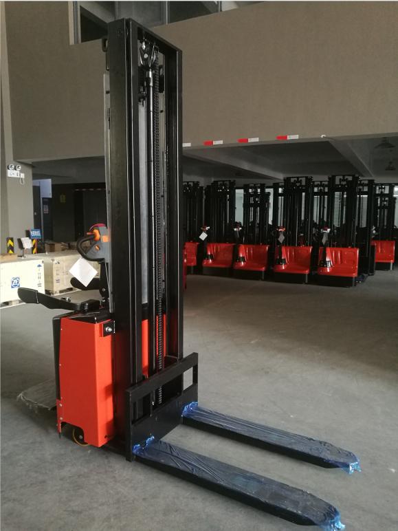 7smith-elektricni-vilicar-s-ride-s-podstavkom-2-6m-260cm-1500-kg-nov