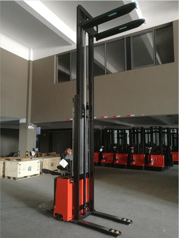 7smith-elektricni-vilicar-s-ride-s-podstavkom-2-6m-260cm-1500-kg-akcija